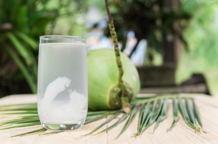 Manfaat Air Kelapa Untuk Kesehatan Wajah Bantennews Co Id