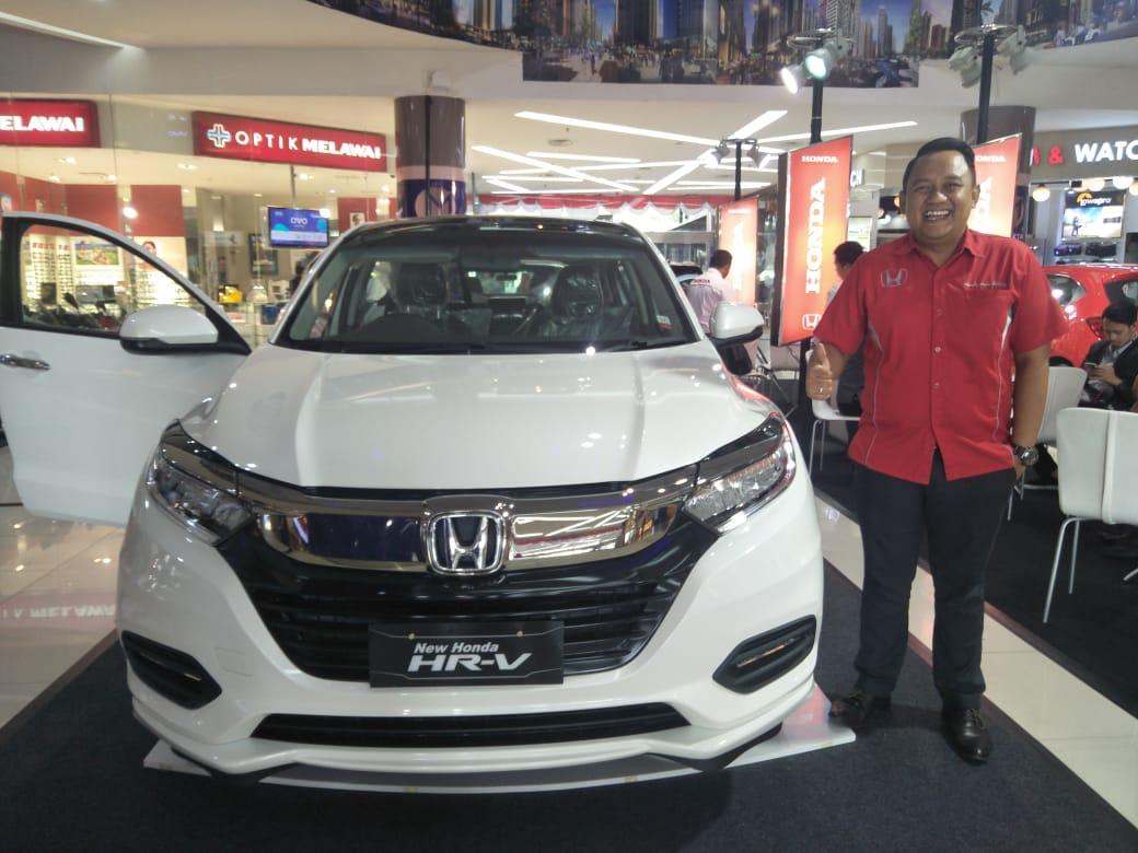H R Auto >> Honda Auto Serang Pamerkan All New Brio Dan Hr V Di Mos