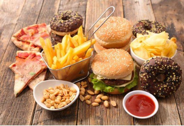 Awas Ternyata Makan Fast Food Berisiko Tinggi Terkena Demensia