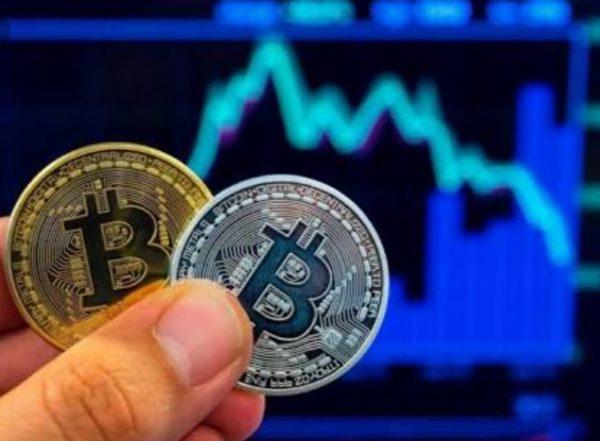 investuodami kriptovaliut 2021 m